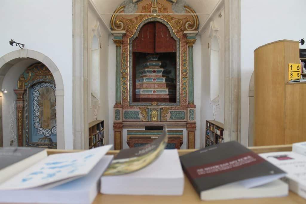 Igreja de São Tiago Church in Óbidos, Portugal, is now a bookstore and popular tourist attraction. | ©JoAnna Haugen